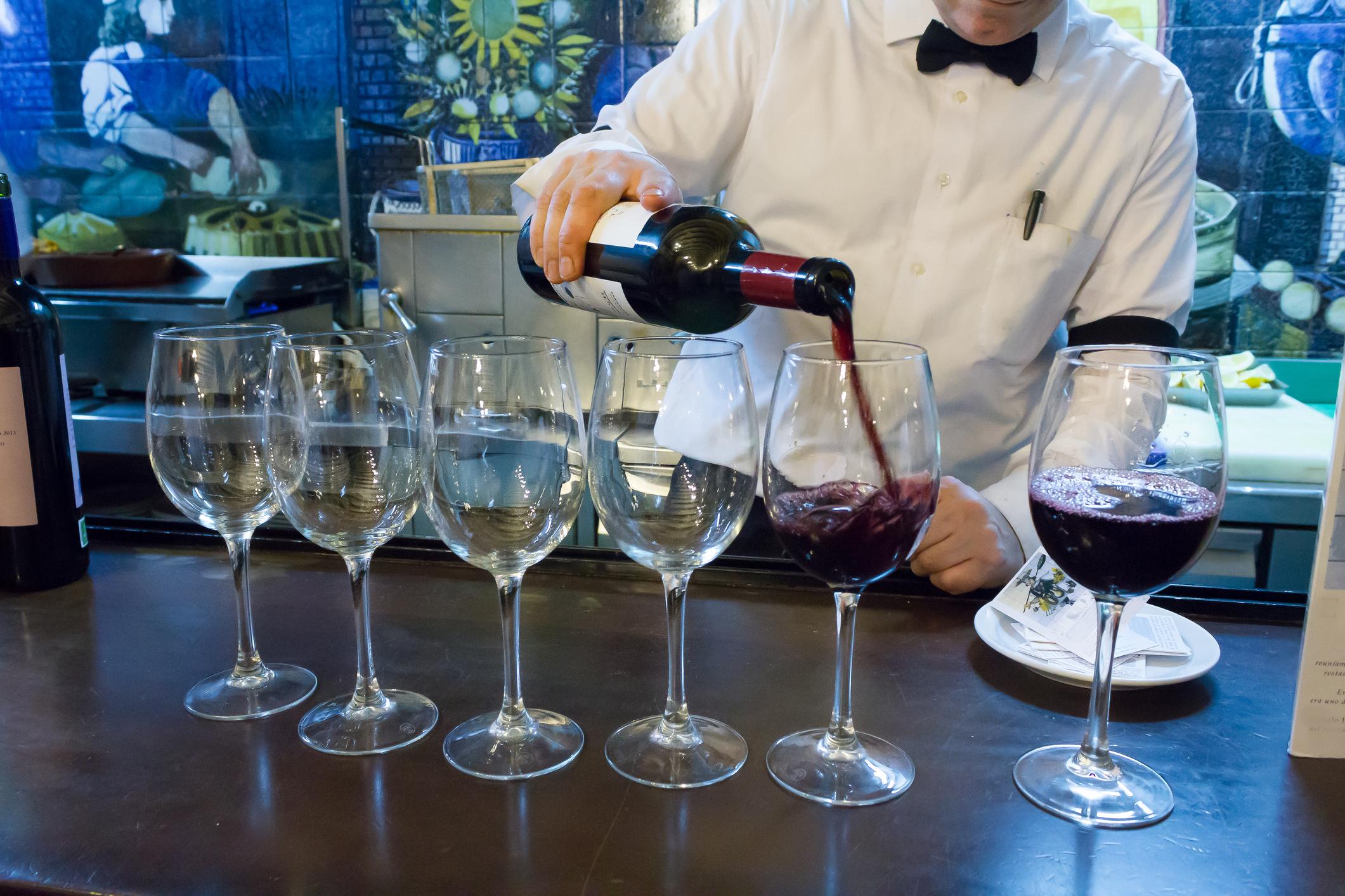 image Comment servir le vin ?