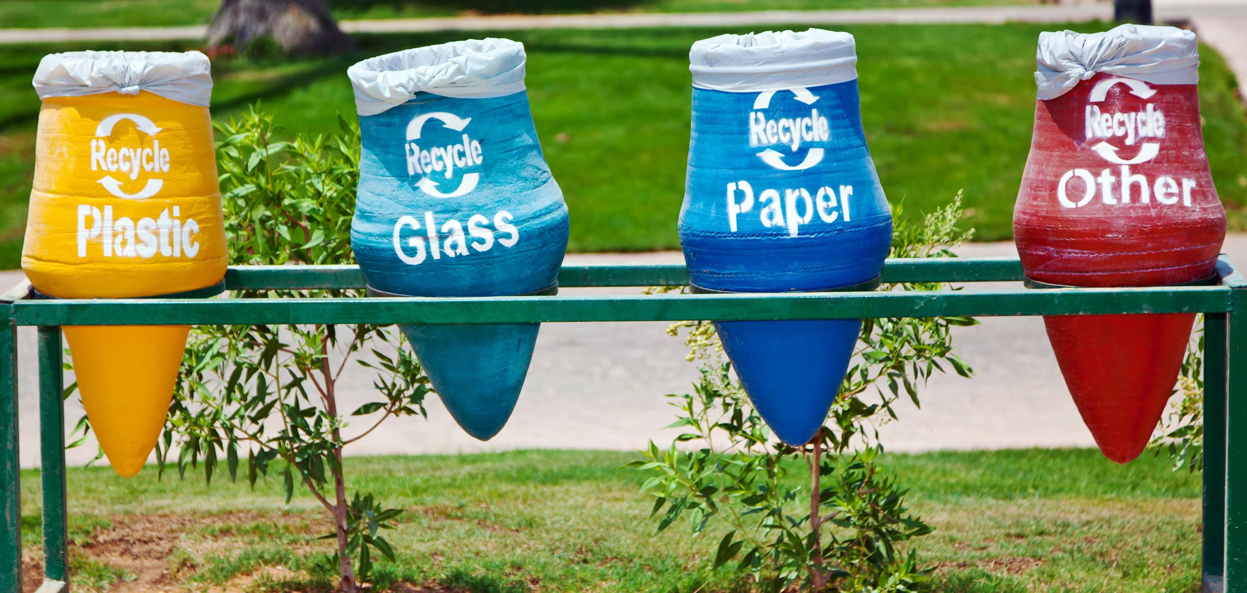 image Comment recycler des cintres pour la maison : quelques astuces et idées