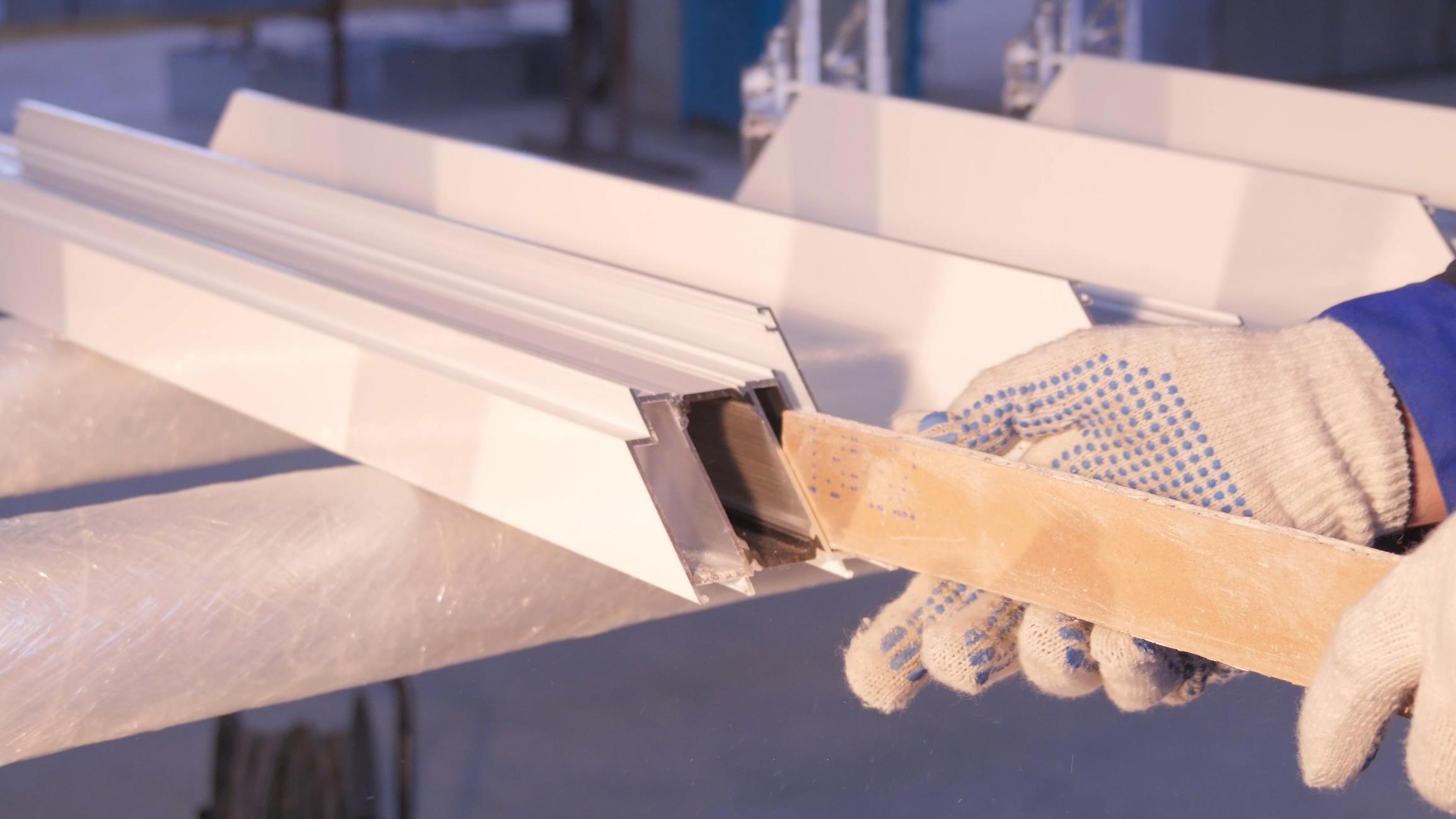 image Comment appliquer correctement du silicone (joint)