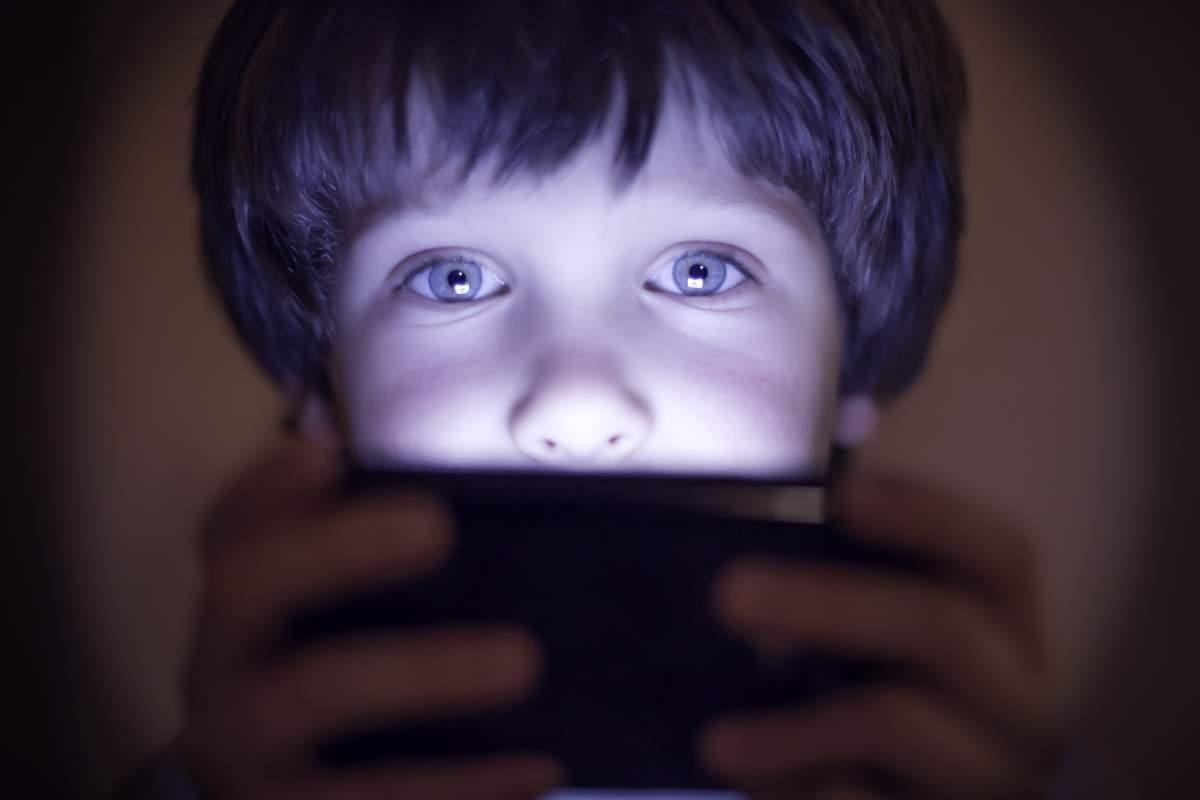 image Comment contrôler l'activité de vos enfants sur smartphone et tablette ?