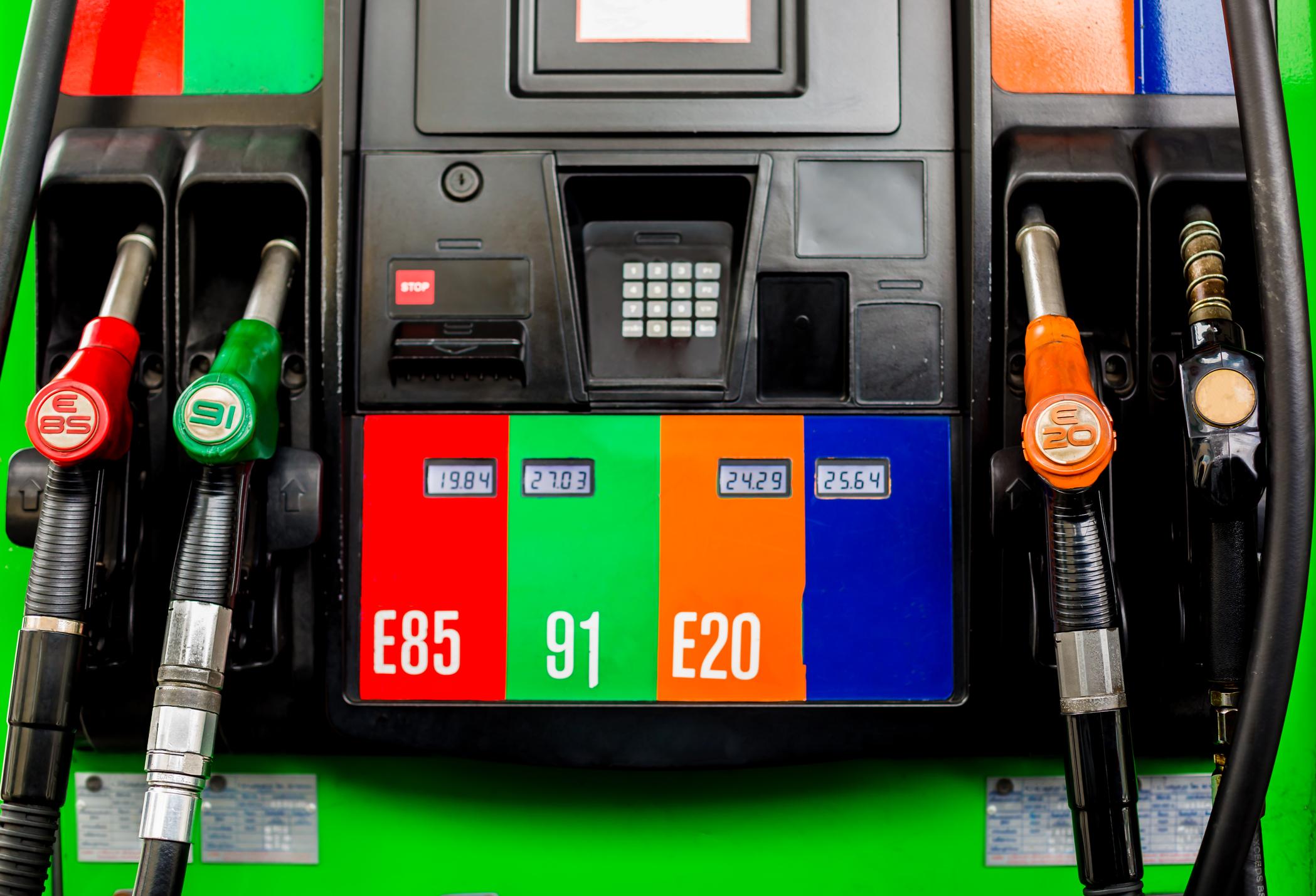 image ÉthanolE85 pour moteurs à essence : qu'est-ce que c'est, combien ça coûte et comment le trouver ?