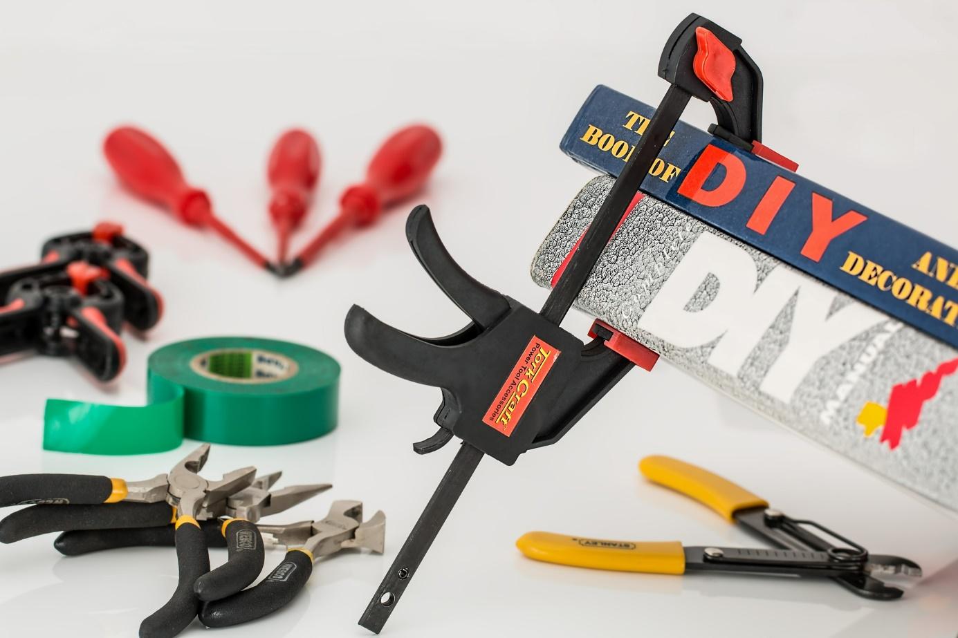 image Les outils de bricolage indispensables dans une maison