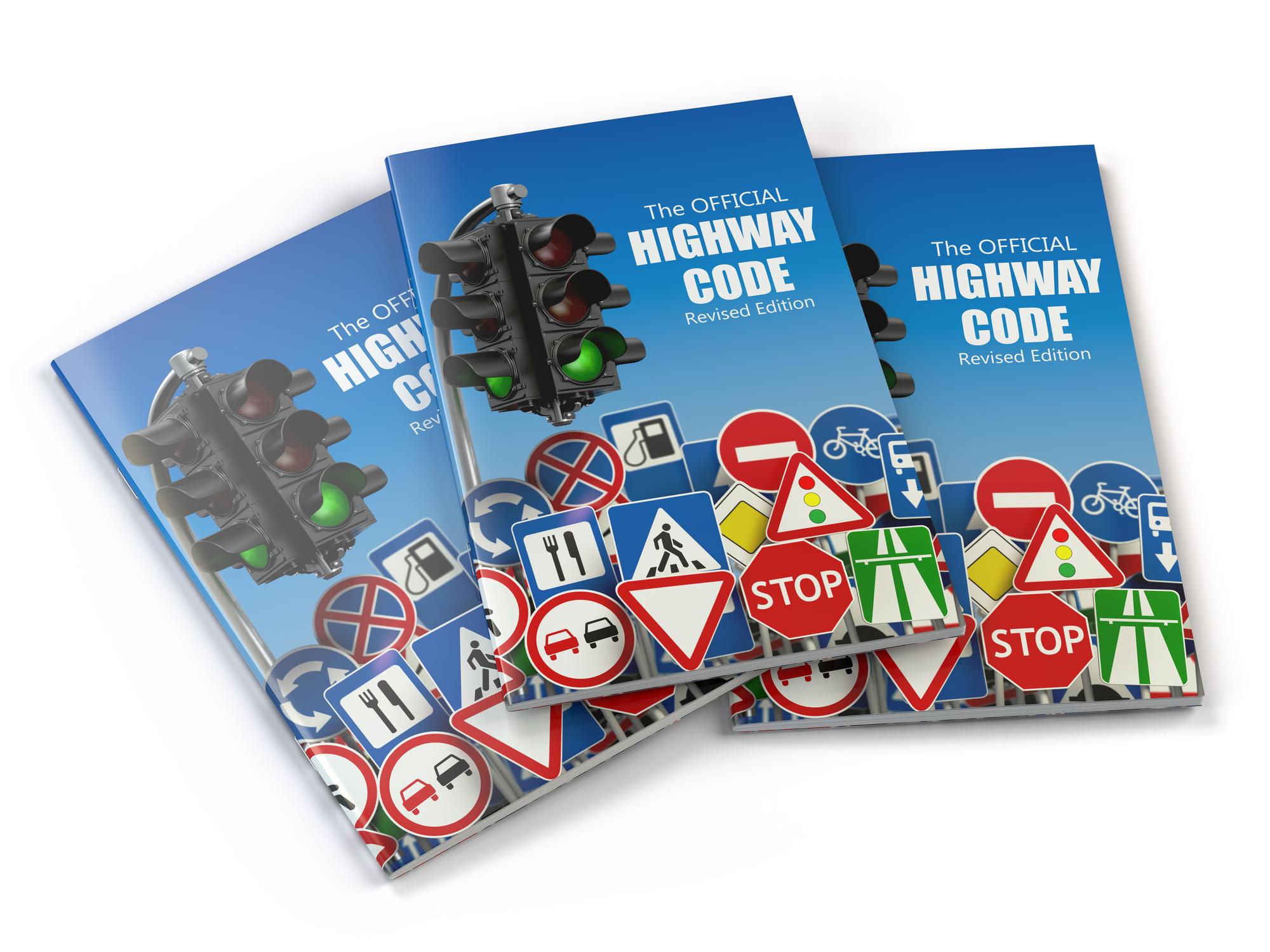 image Quels sont les avantages de réviser le code de la route en ligne ?